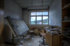 the architect's office (Foto_Fix_Automat) Tags: lostplaces urbex urbanexploring abandonedplaces abandonedfoto urban room indoor industry windows urbanphotography urbexphotography urbanexploration explorer hdr canon eos 6d