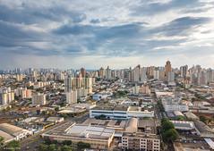Londrina/PR (Vinicius_Ldna) Tags: dji0050 skyline horizonte city cidade centro drone dji mavic mavicpro ceu sky clouds nuvens londrina parana pr brazil