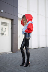 Nika Huk in vinyl pants (Vinyl Beauties) Tags: nika huk vinyl pvc plastic pants asos fashion trend beauty sexy glamour celebrities mode lack lackhose plastik schönheit style