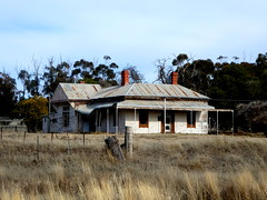 Abandoned Homestead, Boort, Victoria (Diepflingerbahn) Tags: abandoned homestead boort victoria farmhouse rural dwelling