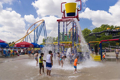 DAC_9886r (crobart) Tags: splash works water canadas wonderland cedar fair amusement theme park