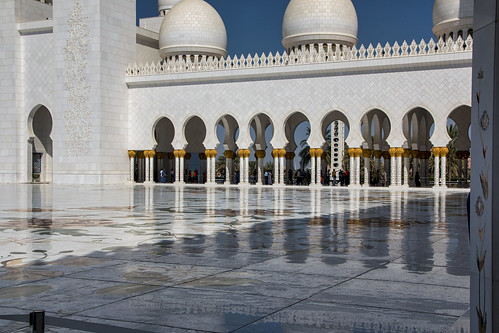 Reflective nature of the inner courtyard, Sheikh Zayed Mosque, Abu Dhabi