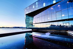 Harpa Concert Hall and Conference Centre, Reykjavík, Ísland (Iceland) (leo_li's Photography) Tags: reykjavík iceland ísland islande icelande reykjavik 冰岛 冰島 雷克雅未克 harpa architecture reflection 倒影