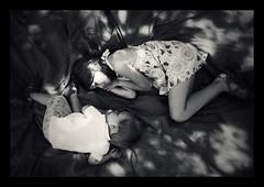 Together (AnneStany) Tags: noirblanc blackwhite complicité complice childwood enfance brothersister amour love summer été famille family couverture blanket holidays vacances