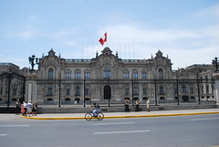 Government Palace, Plaza Mayor - Lima (unclebobjim) Tags: governmentpalace plazamayor lima peru railings security civilunrest