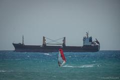 El último paga (SantiMB.Photos) Tags: 2blog 2tumblr 2ig carboneras almería andalucía cabodegata playa beach barco ship mar sea windsurf andalucia españa esp