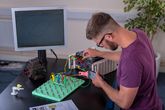 _RMN2784.jpg (www.dataharvest.co.uk/) Tags: sciencestem flowgo smart datalogging bench classroom electronics cnc maths international primary science matrix vlog allcode university dataharvest schools technology edutec scratch software locktronix engineering experiments secondary