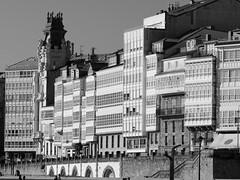 A cidade de cristal (Anxo Becerra) Tags: ciudaddecristal ciudad acoruña lacoruña galicia lamarina marina edificios paseo paseomaritimo galeria galerias mdera