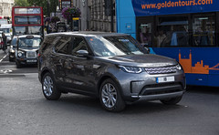 Brand New Met Police Land Rover Discovery 5 (Matthew Cammack) Tags: land rover range discovery 5 2018 london trafalgar square met police metropolitan protection command metpol brand new