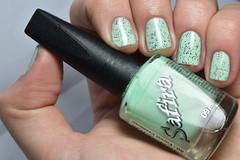 Esmaltação das corujas: Esmalte de balaio! (Raíssa S. (:) Tags: esmalte green nails safira verde cremoso pastel glitter marchetti nailpolish naillacquer nailpainting corujas nikon unhas