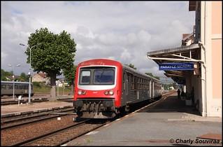 Le X 4647 à Paray-Le-Monial le 27 mai 2011.