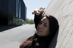Aida Deturck (Maikaiju Palacios) Tags: forum sun portrail model girl actiz cantante periodista sol chica barcelona sombras actriz modelo dark oscuro claro brillo radiante blancoynegro blackandwhite bw gotas agua atardecer cabello piel ojos lips catalunya igers