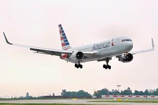 Boeing 767-323(ER)  N381AN — American Airlines