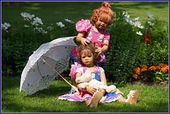 Sanrike ... mit Schirm, Charm und Milina ....... (Kindergartenkinder 2018) Tags: kindergartenkinder sanrike milina schloss arcen