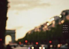 Losing the light (Mister Blur) Tags: blur blurism dusk sunset blurry lights avenue champselysées arc triomphe paris france melancholic mood losingthelight marconi union ambient snapseed textures nikon d7100 50mm rubén rodrigo fotografía flicker