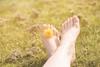 14/52 Plötzlich Sommer (Gret B.) Tags: sommer summer warm april aprilsonne schön geniesen sonne sonnenschein füse fus blumen flowers löwenzahn wiese entspannen 52wochen 52weeksproject 52wochenprojekt 52weeks selfportrait selbstporträt ich