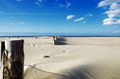 Rondins (Atreides59) Tags: ciel sky nuages clouds sable sand mer sea water eau beach plage bleu blue bois wood malo nord malolesbains pentax k30 k 30 pentaxart atreides atreides59 cedriclafrance