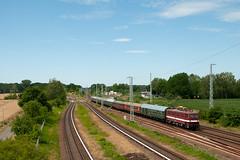 7-7-2018 - Schönfließ (berlinger) Tags: schönflies brandenburg deutschland eisenbahn railroad railway holzroller br211 br109 sonderzug