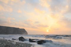 Sunrise Waves, Flamborough (EmPhoto.) Tags: sunrise dawn flamborough southlanding headland seascape pastel uk emmiejgee landscapepassion canoneos80d canonefs1022mm le