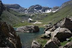 Lac Catchet - Hautes Pyrénées (SabineLacombe) Tags: montagne randonnée roche hautespyrénées laccatchet eau occitanie