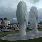 20180617 04 Leeuwarden - Stationsplein - 11 Fountains - Love thumbnail