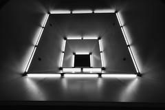 (Px4u by Team Cu29) Tags: lampe licht münchen munich lichtrohrbänder design neonröhre light monaco lichtdesign gern u1 underground metro subway ubahn