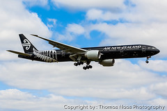 ZK-OKQ :  All Blacks new C/S (Thomas Naas Photography) Tags: london heathrow lhr egll england grossbritannien great britain flughafen airport flugzeug airplane outdoor boeing werbung advertising spezialbemalung specialpaint b773 b777300 air new zealand all blacks