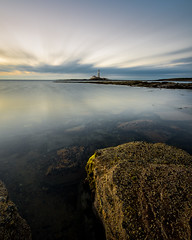 Old Hartley Sunrise (Dean Conley) Tags: nikond7200 nikon stmaryslighthouse whitleybay oldhartley northsea rock green lighthouse water ocean tokina1120mmf28 calm leefilters leebigstopper 10ndfilter 10stopneutraldensity longexposure movement