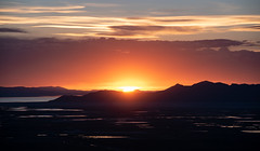 Sleepy evening (joshhansenmillenium) Tags: nikon nikond5500 d5500 tamron tamron18200 sunset sunsets sunsetnerd saltlakecity salt lake city antelope island utah hiking great airplane cloudscape mountains