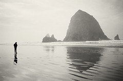 Cannon Beach (Hannah Vickers) Tags: cannon beach cannonbeach blackandwhite oregon pacific ocean pacificocean