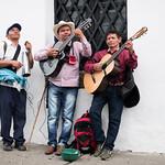 Un complesso di non vedenti suona per le vie di Popayan