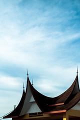 DSCF9607 (lukmanism) Tags: fujifilm helios442 lensturbo2 kualaklawang negerisembilan malaysia streetphotoghraphy silhouette vintagelens pasartani market sunrise muziumadat