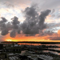 Love this view. #sunset #auckland #level12 #12thstorey #orange #weather #nz (momentito) Tags: ifttt instagram