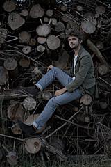 Wood's up? (moritzsee) Tags: natur nature boy guy man mann junge holz model shooting wood rural ländlich landleben