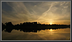 A tale of two bayous (WanaM3) Tags: wanam3 sony a700 sonya700 texas pasadena clearlakecity bayareapark park armandbayou bayou outdoors nature vista morning daylight daybreak sunlight sunrise goldenhour reflection clouds