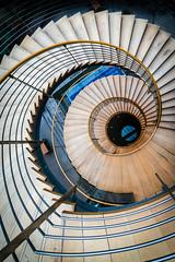 ...SPRINGEN!    BITTE... (Alexander Dülks) Tags: 2018 leipzig messe steps wood congress congresscenterleipzig spiralstaircase holz stairs wendeltreppe stufen congresscenter treppe germany staircase