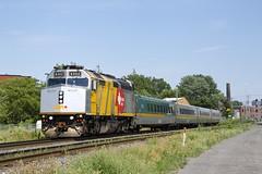 VIA 635 (Michael Berry Railfan) Tags: via6402 via635 train passengertrain viarail f40ph2 f40ph3 emd gmd montreal montrealsub quebec sthenri lrc