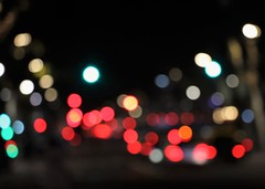 Luces y sombras (carlos_ar2000) Tags: luz light color colour dof bokeh noche night calle street abstracto abstract buenosaires argentina