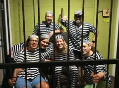 """Meggi & The Gang"" zeigen Eifer beim Ausbruch (Breakout Basel) Tags: meggithegang bâlecatraz bâlechemisten bâletheken bâleroyal real live escape game switzerland adventure abenteuer spiel teamevent event unterhaltung entertainment wanted wantedjul18 friends family bobhunters bobprisoners bobchemist bobgangsters"