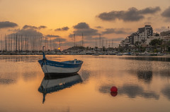 La barca. (Amparo Hervella) Tags: isladelciervo cartagena españa spain paisaje barca atardecer reflejo d7000 nikon nikond7000
