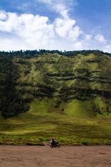 Bromo, Indonesia (pas le matin) Tags: bromo indonesia indonésie travel voyage world landscape paysage moto motorbike blue bleu sky ciel clouds nuages mountain montagne canon 7d canon7d canoneos7d eos7d asia asie southeastasia