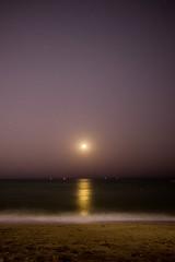 Moon and Stars at RAK (tomflamy) Tags: beach strand dubai longtimeexposure sternen mond moon rasalkhaimah rak night