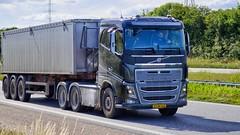 XV88243 (17.07.06, Motorvej 501, Viby J)DSC_4522_Balancer (Lav Ulv) Tags: volvo volvofh fh16 fh650 e6 euro6 black alaursenseftf tebstrup 6x4 2015 vognmandalaursenseftf truck truckphoto truckspotter traffic trafik verkehr cabover street road strasse vej commercialvehicles erhvervskøretøjer danmark denmark dänemark danishhauliers danskefirmaer danskevognmænd vehicle køretøj aarhus lkw lastbil lastvogn camion vehicule coe danemark danimarca lorry autocarra motorway autobahn motorvej vibyj highway hiway autostrada trækker hauler zugmaschine tractorunit tractor artic articulated semi sattelzug auflieger trailer sattelschlepper