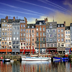 Honfleur, France (pom'.) Tags: panasonicdmctz101 may 2018 normandie normandy france europeanunion sail sailing boat boats harbor honfleur sky clouds lisieux honfleurdeauville paysdehonfleurbeuzeville vieuxbassin 100 200 300 400 500 5000 600 10000 700
