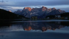 Misurina Sunset (K M V) Tags: misurina lagodimisurina sorapiss 169 wild sunset reflection mountains dolomites dolomitealps dolomiti dolomiten dolomiitit see berge sonnenuntergang spiegelung abend abendstimmung stimmung awe alpenglow schönheitdernatur auringonlasku auringonlaskualpeilla järvi heijastus järvimaisema ilta iltatunnelma aurinkokunpäättiretken blue blau sininen bleu italy italia italie italien vuoret montagne lac soir coucherdesoleil spegling insjö berg kväll iltaaurinko kvällssol riflessi lago montagna luce light ljus valo licht lumière