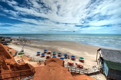 Canoa Quebrada (felipe sahd) Tags: beach praiadecanoaquebrada aracati ceará brasil litoralnordestino pessoas oceanoatlântico falésias