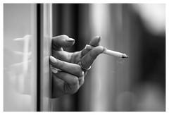 Smoking Outside (Paulemans) Tags: pentacon28135 meyer orestor paulemans paulderoode 2018julyclassicprimes hand smoking roken monochrome bw nb zw zebra m42