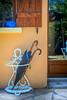 (Liane FKL) Tags: photographie photography colors couleurs détail architecture umbrella parapluie entrée entrance