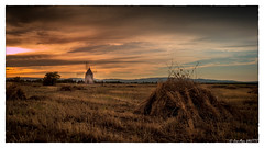 Moulin BARCARES (jean-marcvalette) Tags: lumixgx8 micro43 panasonicgx8 gx8 photography landscape panoramique sky sunset coucherdesoleil soleil romantique moulin orange occitanie