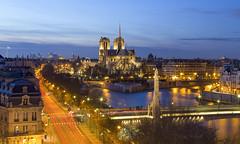 Paris Notre Dame (Didier Ensarguex) Tags: paris notredamedeparis heurebleue heuredorée 75 pauselongue didierensarguex 6d canon architecture